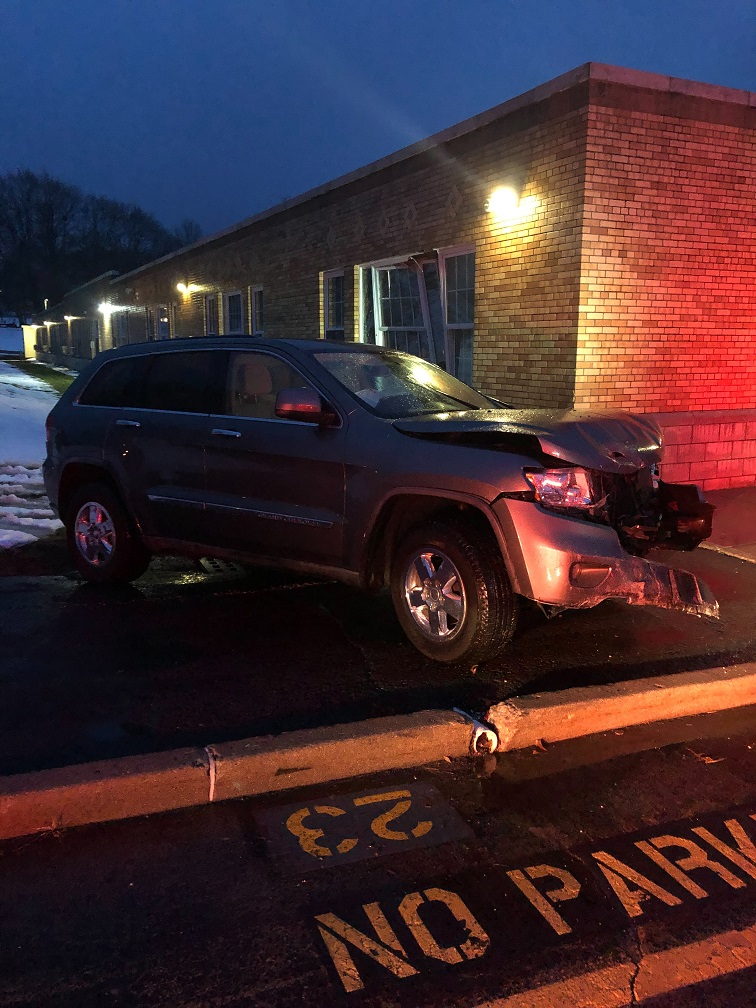 Photo_WFD - PARK AVE. VEHICLE ACCIDENT